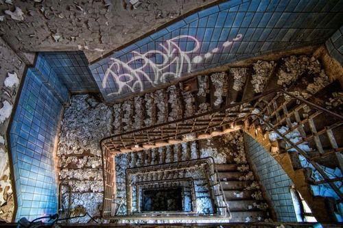 Fotógrafo capta a beleza do assombro de edifícios abandonados (31 fotos) - Metamorfose Digital
