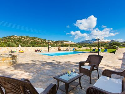 Rethymno villa rental - Have your breakfast at the terrace and enjoy the sun and fresh air!