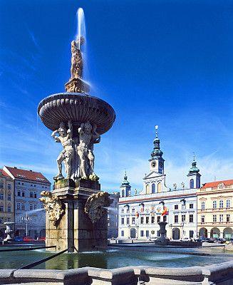 Egyike a Dél-Csehországban található számos gyönyörû történelmi városnak, mely szabad királyi városként tett szert pompás