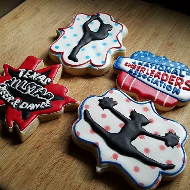Cheer  #cookies #cookier #sugarcookies #hearts #royalicing #edibleart…