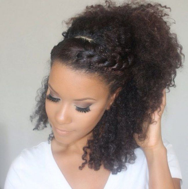Penteados para cabelos crespos e cacheados: coroa