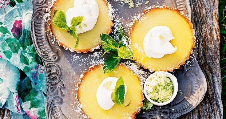 Inspired by the cocktail of the same name, these gourmet tarts are sure to impress.