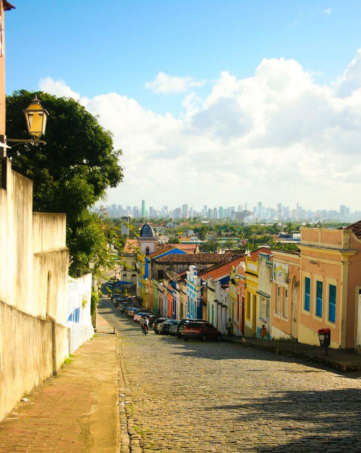 Olinda. (com vista do Recife ao longe). Estado de Pernambuco, Brasil.