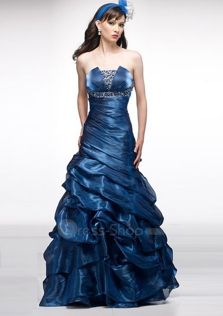 Navy is the colour that best suits me and I love this prom dress.