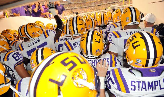 GEAUX TIGERS! Wish I could be at the game today #lsutigers