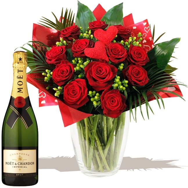 Romantica Roses & Champagne the ultimate Valentine's Day gift