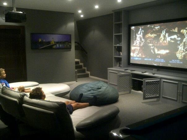 Home Theater Ideas, Home Theater Design, Home Cinemas, Movies, Design Interior, Big Screen Television, Projector Screen,  Entertainment Room #hometheaterprojectorscreen #projectorscreen