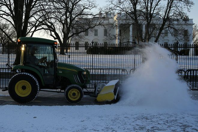 Washington DC Snow Forecast: How Much Snow Will Potential Blizzard Bring?