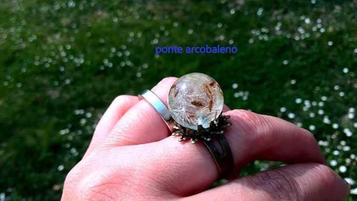 Anello bronzo con sfera in resina/ semi di dente di leone/ tarassaco/ soffione/ anello regolabile/ vintage/ anello a fiore/ regalo/ handmade di PonteArcobaleno su Etsy