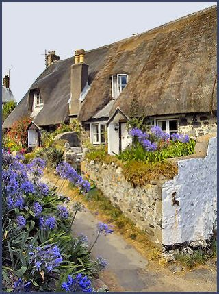 Beautiful thatched cottages in Cadgwith, Cornwall, England