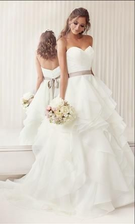 Essense of Australia D1672 10: buy this dress for a fraction of the salon price on PreOwnedWeddingDresses.com