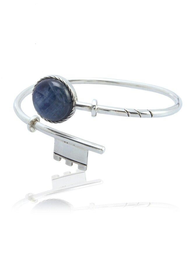 Silver 925 #Calcite Key Bracelet is blue, italians' favourite color. Catch and tie it to your wrist. WWW.MELFACTORY.IT