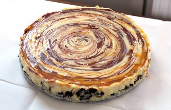 Oreo choco caramel swirl cheesecake