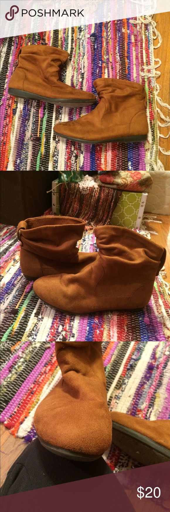 *$5 SALE item* Joe Boxer Ankle Booties So very comfy! Lightly worn. Only visible wear pictured on toe. Look like new! Awesome cognac color that looks great with everything! Perfect for fall!  Add to a bundle with an item priced $25 or more and they're just five bucks! 🍂🍂🍂 Joe Boxer Shoes Ankle Boots & Booties