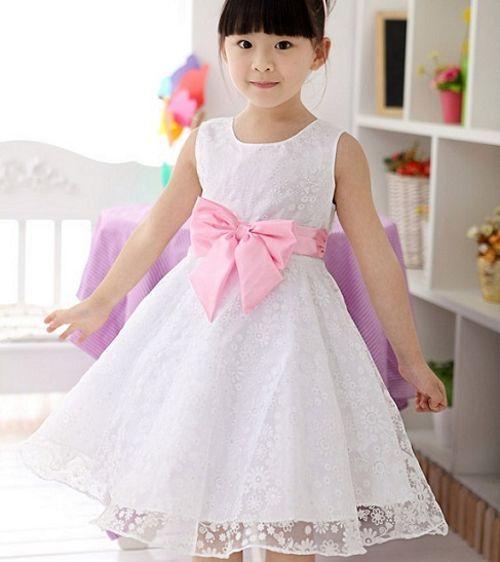 Vestidos de niña modernos. En este nueva temperada se tiene diferentes estilos de vestidos modernos para niñas. Son vestidos perfectos para que tu pequeña luzca deslumbrante en todo