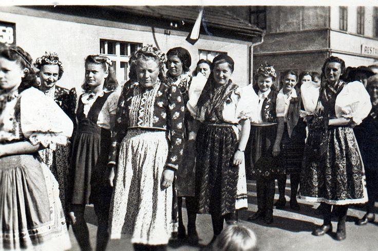 rok 1946 květen průvod