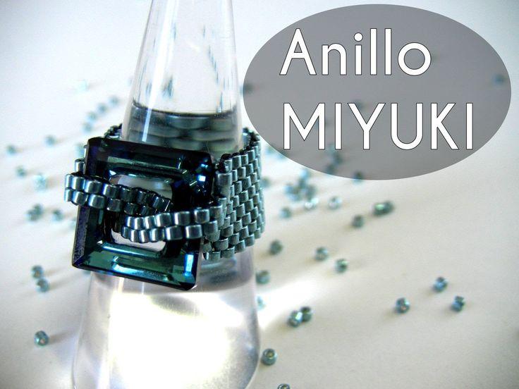 Todo el material esta en mi tienda on-line: http://www.crystaldreams.es Aqui un anillo realizado con la tecnica punto peyote y una ventana Swarovski Elements...