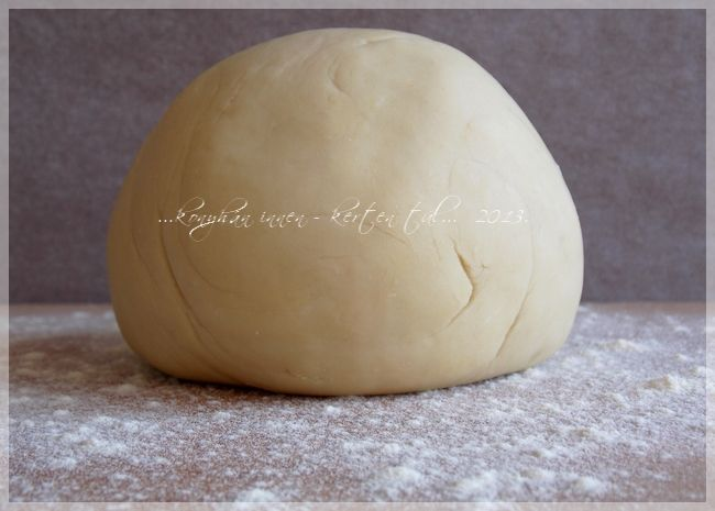 """Friss házi tészta... paradicsomosan, tejszínesen, sajttal, vagy zöldséggel, gombával, hússal, bárhogy. :D Nagyjából két éve -ha """"tészt..."""