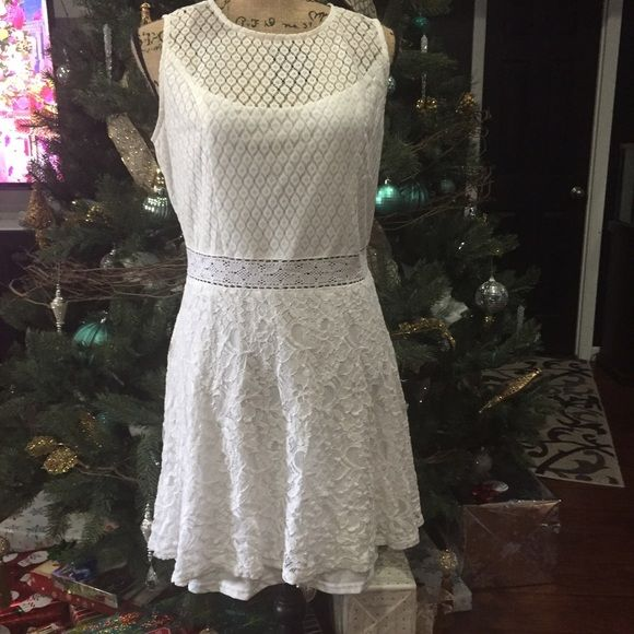 Juniors White dress Juniors White dress- worn once to a modeling event. Won't wear it again. Dresses