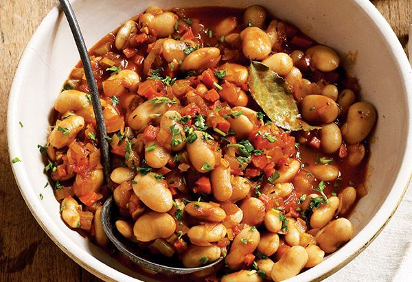 Giant Beans in Tomato Sauce - and other healthy crockpot recipes / Oprah