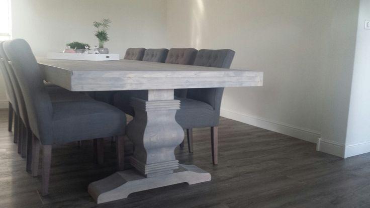 Kloostertafel van gedroogd glad steigerhout. Deze tafel kan in ieder gewenst formaat gemaakt worden.  www.hobbybouwde bontespecht.nl