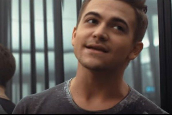 Hunter Hayes Tells Ex Goodbye in Trippy 'Yesterday's Song' Video