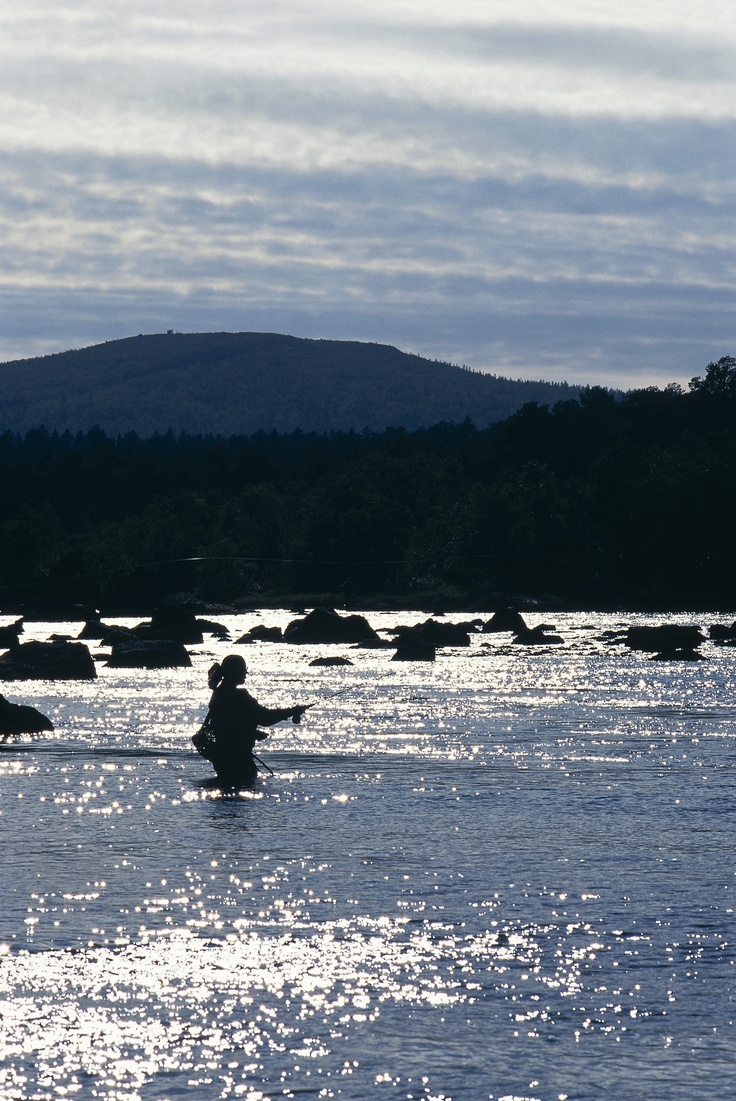 Fly fishing. Photo courtesy of Visit Finland © MEK Finnish Tourist Board.