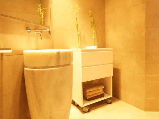 Baño de mármol. Decoración Alado