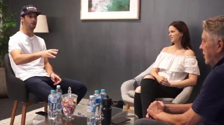 Daniel Ricciardo Meets Fans At The Australian Grand Prix (VIDEO)