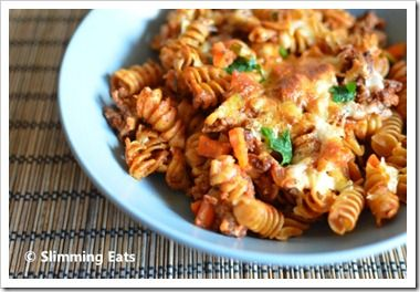 Bolognese Pasta Bake | Slimming Eats - Slimming World Recipes - add a dash of cinnamon.