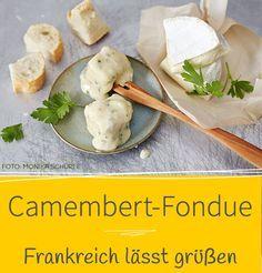 Neben Greyerzer landen in unserem Rezept Camembert, Cidre und Calvados im Fonduetopf. Und was gibt's dazu? Natürlich ein selbst gebackenes Baguette!