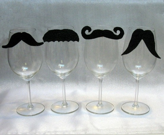 Haha, I want to make this for all my guy friends... but on different style beer glasses! ^-^