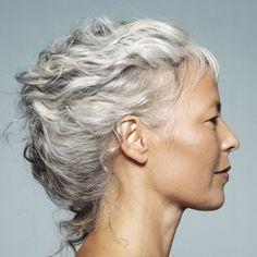 dcouvrez comment lutter contre le jaunissement des cheveux blancs et comment entretenir les cheveux gris et - Recettes Coloration Naturelle Pour Cheveux Blancs