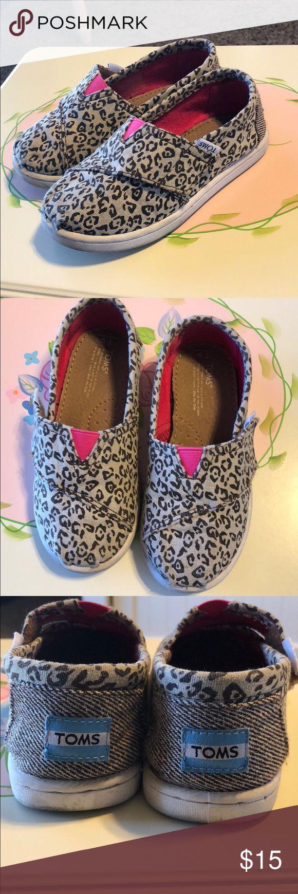 Tiny toms size 9 EUC tiny toms leopard print Toms Shoes