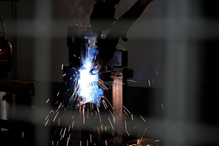 Saldatrice. #robot #produzione #accessori #camion #trucksrl #truck #metal #metallo