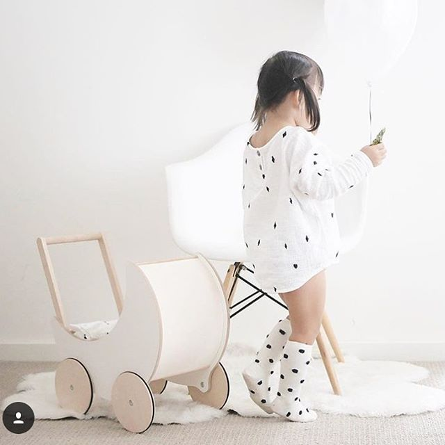 Morning! ☀️ Bobo Choses blouse available in store 🎩 #bobochoses #availableinstore #kidzfashion #kidstyle #howtodisappear #abracadabra Photo credits @melodylulu_