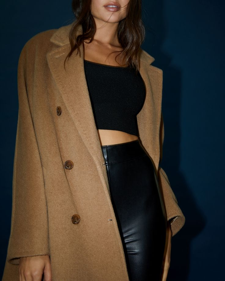 Slouch Camel Wool Coat – Double-breasted camel coat