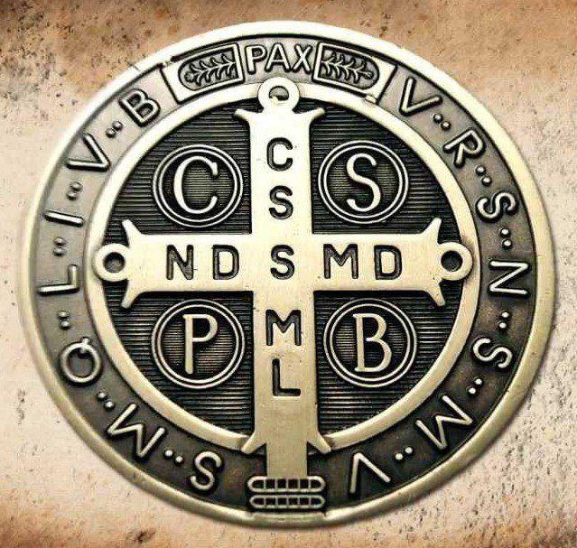 El poder de la medalla de San Benito abad - Taringa!