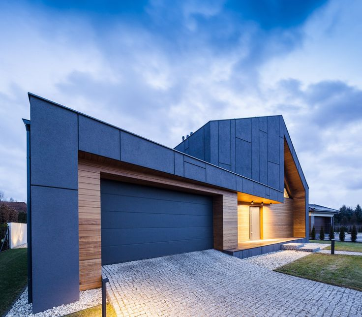 Completed in 2015 in Zielonki-Wieś, Poland. Images by jankarol. This house, located in Zielonki Wieś (a village near Warsaw, the capital of Poland), consists of a monochromatic plaster-and- steel plate mass...