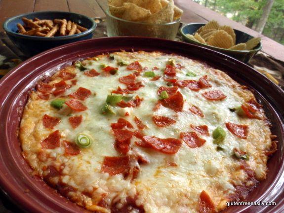 Naturally Gluten-Free Pizza Dip (with Dairy-Free Option) from @Shirleygfe #glutenfree #dairyfree option #superbowl