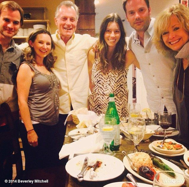 A happy occasion! Jessica reunited with her 7th Heaven cast mates Barry Watson, Jessica Biel, David Gallagher, Catherine Hicks, Stephen Collins, and Beverly Mitchell