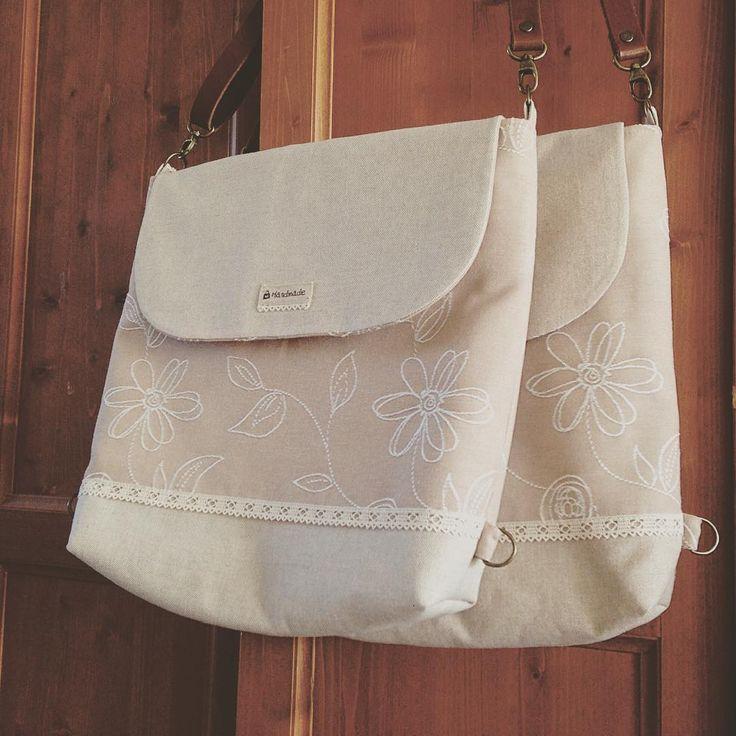 """Az """"ikrek"""" 😊Hátizsákká alakítható válltáskák!   The """"twins"""" are ready! ##handmadepapheni  #táska #kézműves #egyeditaska #válltáska #hátizsák #bag #handmade # handmadebag #uniquebag #mik #ikozosseg"""