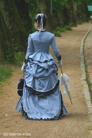 victorias enkel fruehe tournuere tageskleider victorian costume