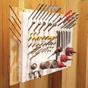A co ostre, to powbijam, i zawsze pod ręką jest!Tools Storage, Drill Bit, Tool Storage, Garages, Pincushions, Pointy Tools, Clever Tools, Storage Ideas, Foam Insulators