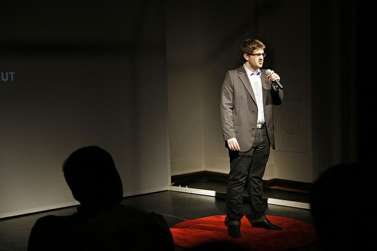 Max Piekut discovering China for us at: TEDXWarsawSalon #4 @Brittney McGee #TED #TEDx  #coworking #serendipity #startup