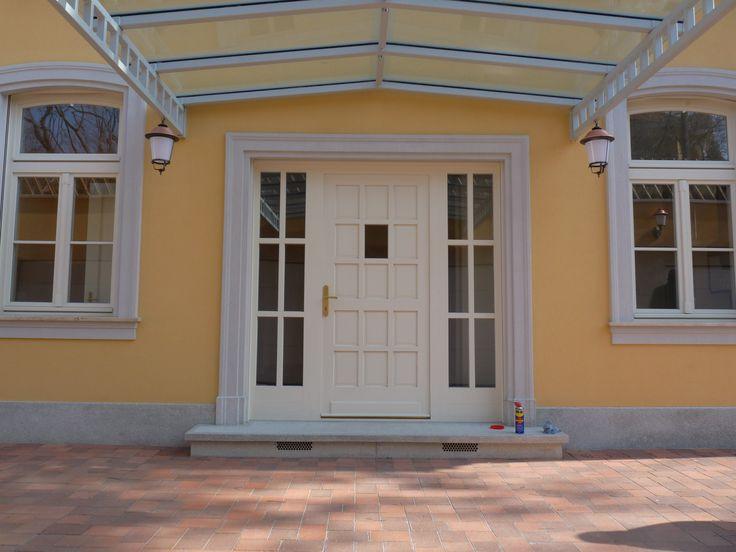 Budapest, Eötvös út NEUMANN VILLA; műemlék jellegű bejárati ajtó  Budapest, Eötvös street NEIMANN mansion, monument persecutive entrance door
