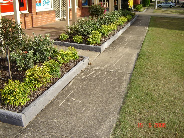 Cheap landscaping ideas for back yard decorative for Cheap edging ideas