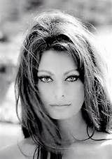 (Sophia Loren) stunner