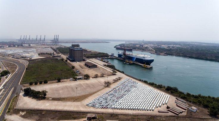 A fin de hacer más atractivo para la inversión nacional e internacional, el polo de desarrollo económico que se detonará en la región del puerto Lázaro Cárdenas y la Unión, ...