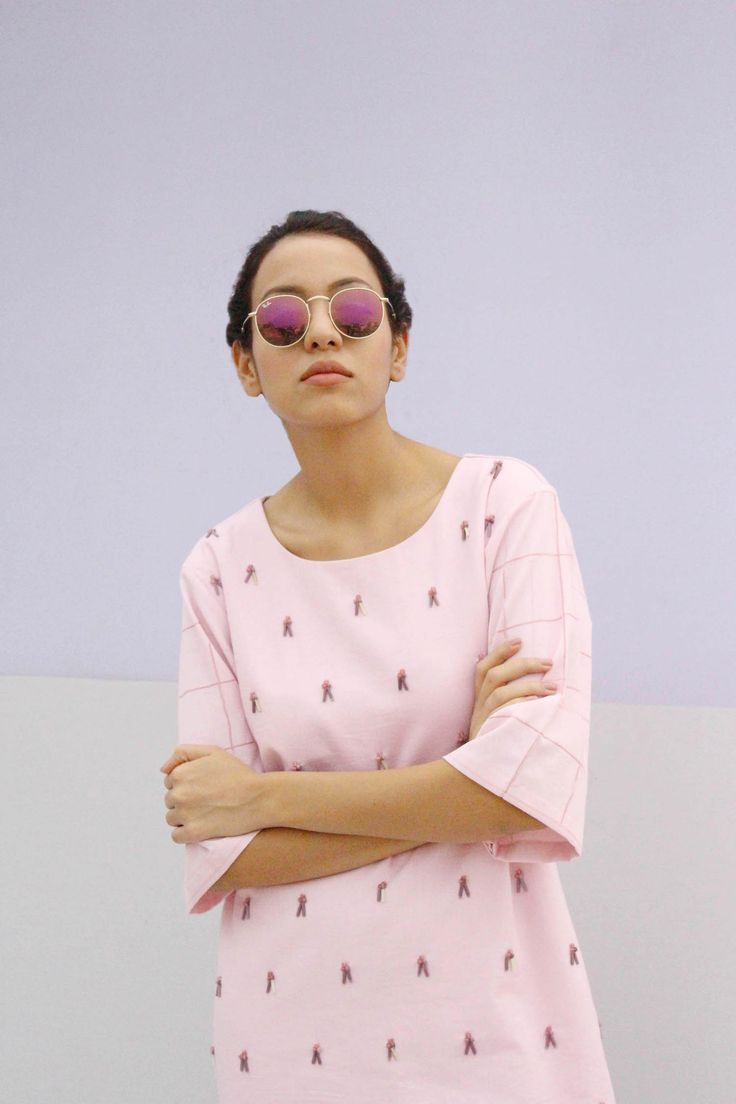 PINK EMBROIDERED ANTI-FIT-DRESS